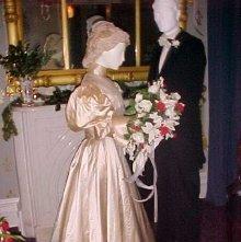 Image of Wedding Dress - 1976.139.0002