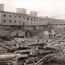 Image of 1977.132.0896 - Log Jam near Finch, Pruyn & Company.