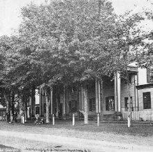 Image of 1977.218.0127 - 17. Lake House. Lake George
