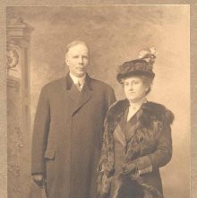 Image of 1978.003.2241 - Dr. and Mrs. Henry Coffin