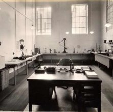 Image of 1981.087.0002 - Laboratory