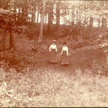 Image of 1983.015.0014 - Hattie and Grace in Crandall Park