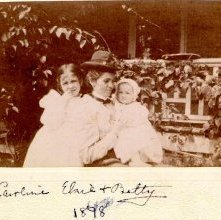 Image of 1996.058.0019 - Caroline, Elsie, and Betty, 1898