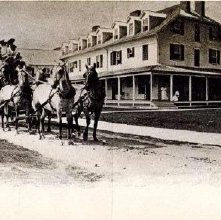 Image of 2009.008.0001 - Saranac Inn Postcard