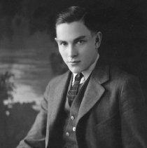 Image of Ralph L. Purrington