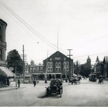 Image of 1200.10.43 - Winchester Square looking east