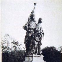 Image of 2002.14.64 - World War Memorial, Winchester, Mass.