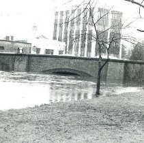 Image of 1200.11.384 - Aberjona River Flood of 1979