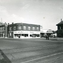 Image of 1200.13.89 - White Building