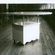 Image of TABLE MFG BY WILL SNOW - TABLE MFG BY WILL SNOW