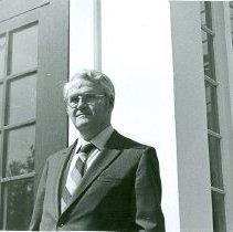 Image of Mr. Kertland (admin.) -