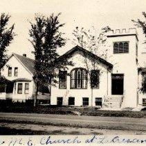 Image of Le Crescent ME church