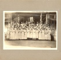Image of Evangelical Dining Hall crew at Minnesota State Fair 191? - 8H West Side Hospital