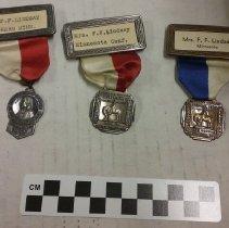 Image of badges Mrs. Effie Lindsay - General Conference