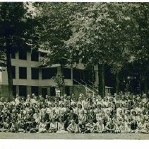 Image of Group photograph Frontenac - 6E Frontenac Campus