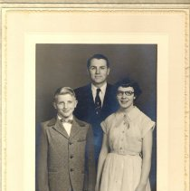Image of Spring Grove UMC, Confirmation with Rev. Edward F. Shannon, 1950's - Local Church
