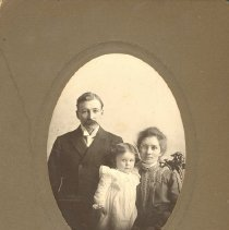 Image of Rev. Frank Scott and family - Clergy