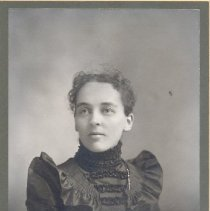 Image of Minnie Pratt Pilling (Mrs. Edward S. Pilling) - Clergy