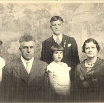 Image of Rev. Lewis F. Strothman and family - Clergy