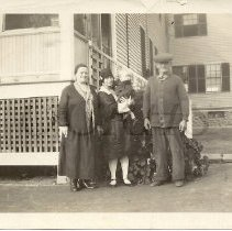 Image of Goodrich, Whipple, and Smith Family Group - 2011.28.16