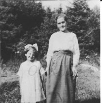 Image of Lilla Mae Brooks Baker and Virginia Lister - 2001.1.19