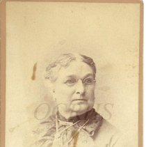 Image of Esther Hussey - Photographic Portrait