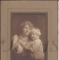 Image of Caroline (Grindle) Savage and Daughter Anna - 2010.3.87