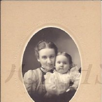 Image of Lephe Dinsmore Gregory and Daughter - 2010.3.94