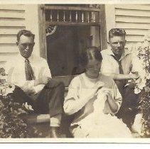 Image of Guy Pierce, Gladys Pierce, and Eugene Beane - 2011.10.32