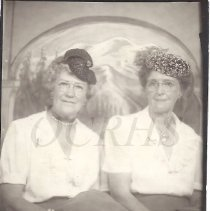 Image of Linnie Baker Spaulding and Effie Jane Robinson - 2011.24.15