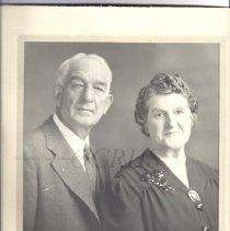 Image of Unidentified Couple - Formal Portrait - 2012.31.11