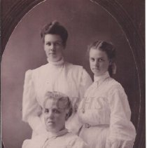 Image of Lucy Ham Bates and Two Daughters - 2001.1.73