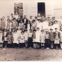 Image of Lincoln School Students, Caratunk ME  - 2001.1.87
