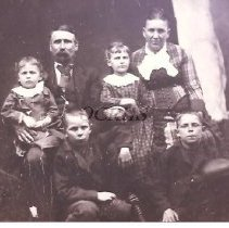 Image of Family of Charles and Esther York - 2001.1.89