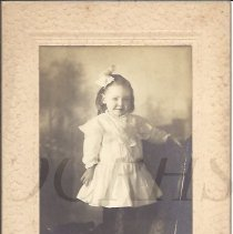 Image of Edna Burns as a Child - 2011.10.61