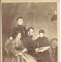 Image of The Lincoln Family - 2011.8.10