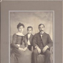 Image of George W. and Blanche Spaulding with Son Clarence - 2015.23.47