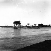 Image of P212-77 - Photograph