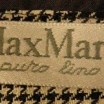 Image of Detail - label