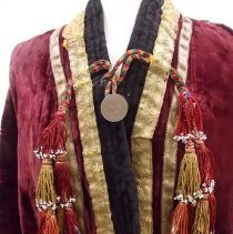 Image of front closure and tassels