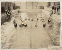 Image of Swimming pool, Nineteenth Century Club, Memphis, Tenn.