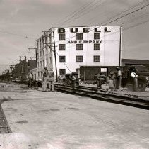 Image of Dallas R&T Co., trolley rail work, Buell and Co. bldg.