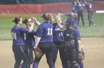 Image of Ashland University vs Northwood University softball April 1, 2007.