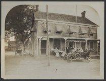 Image of Dobler's Court House Hotel, Richmond, Staten Island, ca. 1910