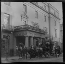 Image of Carriage in front of the Regent Hotel, photo by Alice Austen, 1903