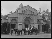 Image of Horse-drawn carriage at Vanderbilt mausoleum, photo by Alice Austen, 1910