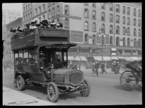 Image of Fifth Avenue bus, photo by Alice Austen, 1910