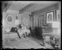 Image of Middle room from left of window, photo by Alice Austen, 1895