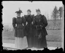 Image of Lou Richards Effie Alexander & Julie Lord after my lunch - Negative, Glass-plate