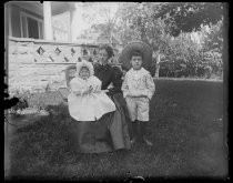 Image of [Mrs. Richards and children] - Negative, Glass-plate